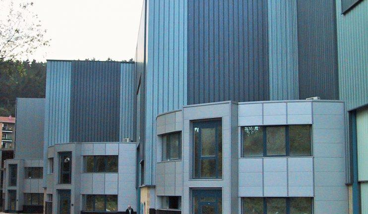 edificios-multinave-equipado-con-gruas-puente-destinado-al-alquiler-para-usos-asimilables-a-la-caldereria-semi-pesada-3