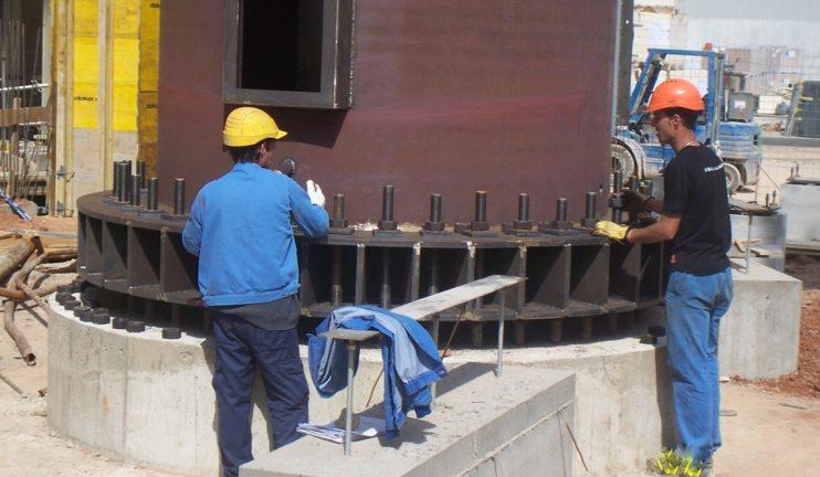 instalacion-de-chimenea-de-50m-en-el-sector-del-vidrio-2