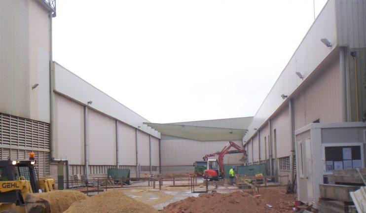 nueva-linea-en-fabrica-de-vidrio-2